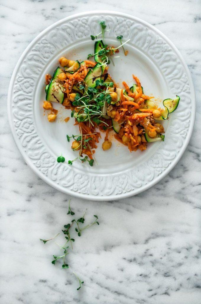 Salada de Courgette com Cenoura e Grão