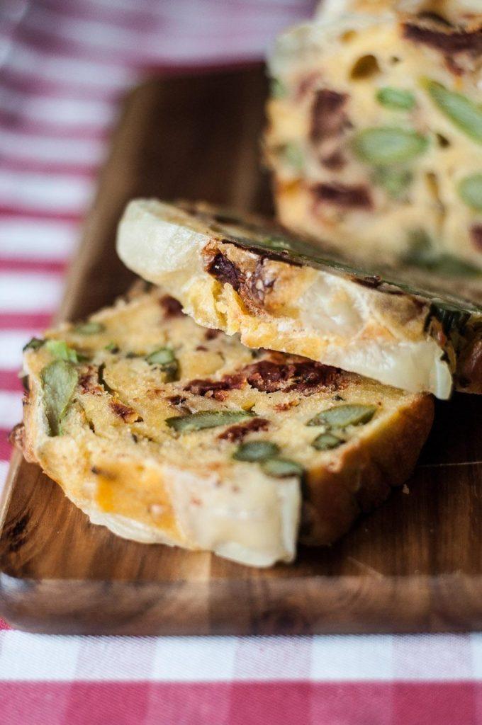 Pão com Espargos, Emmental e Tomate Seco!