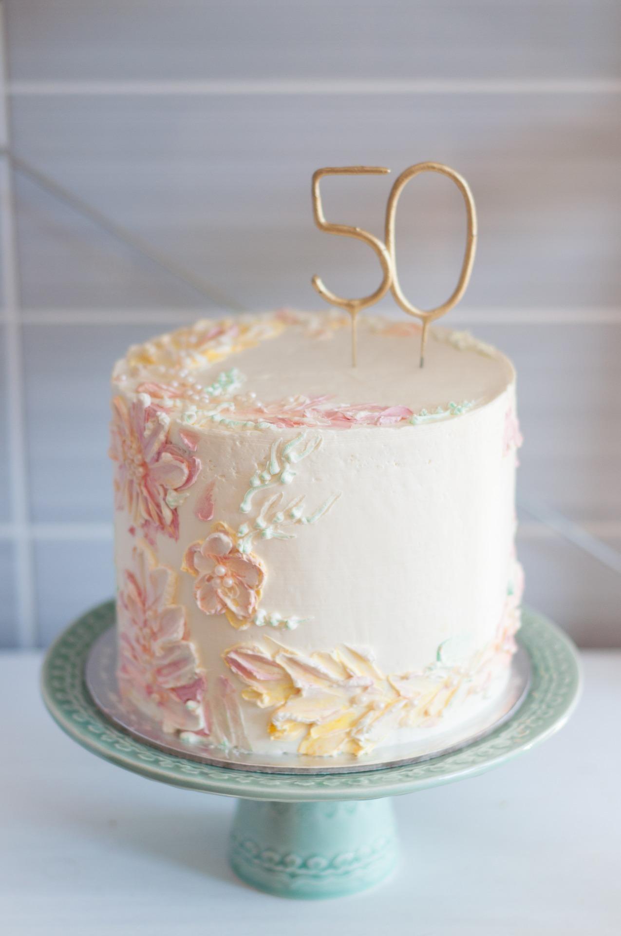 Bolo Decorado Para 50 Anos Feminino