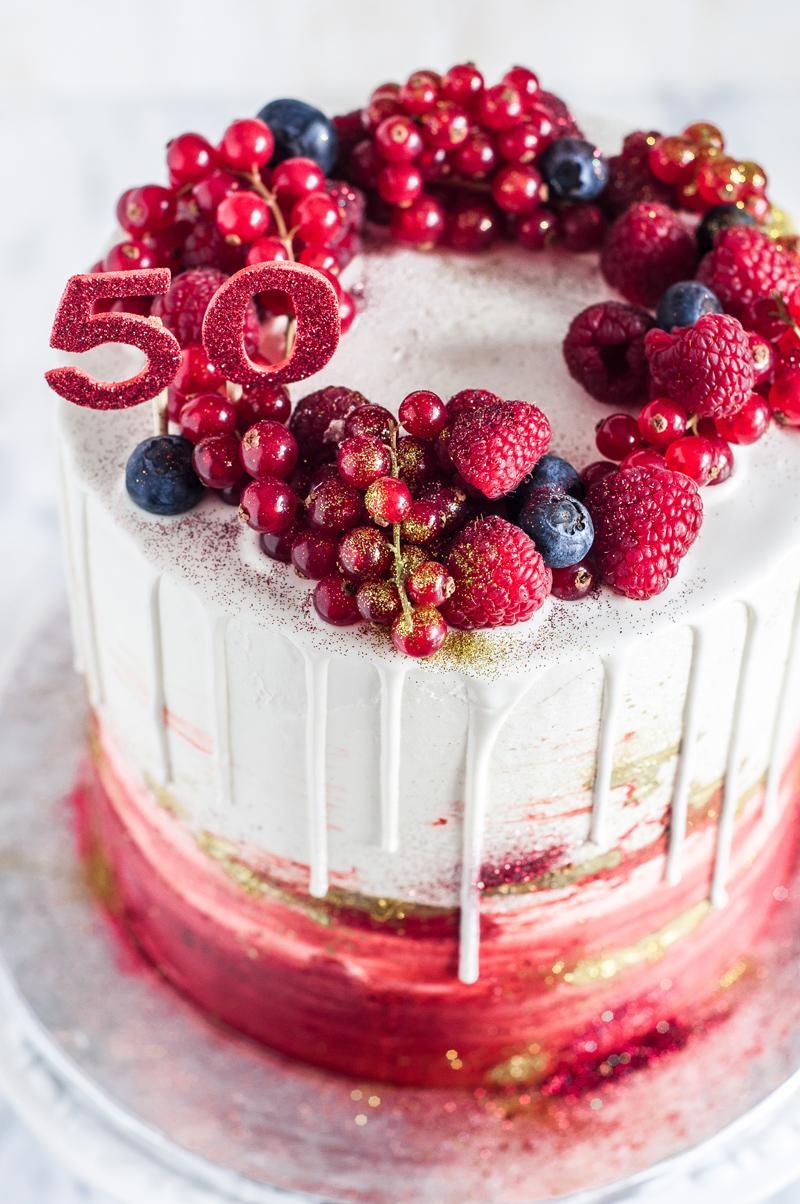 Bolo 50 Anos Vermelho E Ouro Be Nice Make A Cake